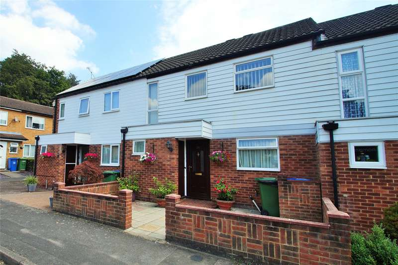 3 Bedrooms Terraced House for sale in Rookwood Avenue, Owlsmoor, Sandhurst, Berkshire, GU47