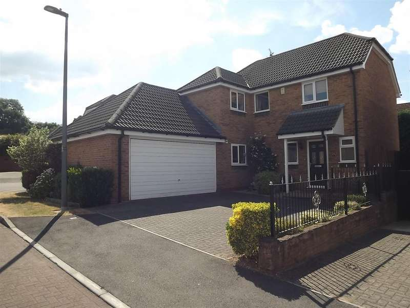 4 Bedrooms Detached House for sale in Empire Crescent, Hanham, Bristol
