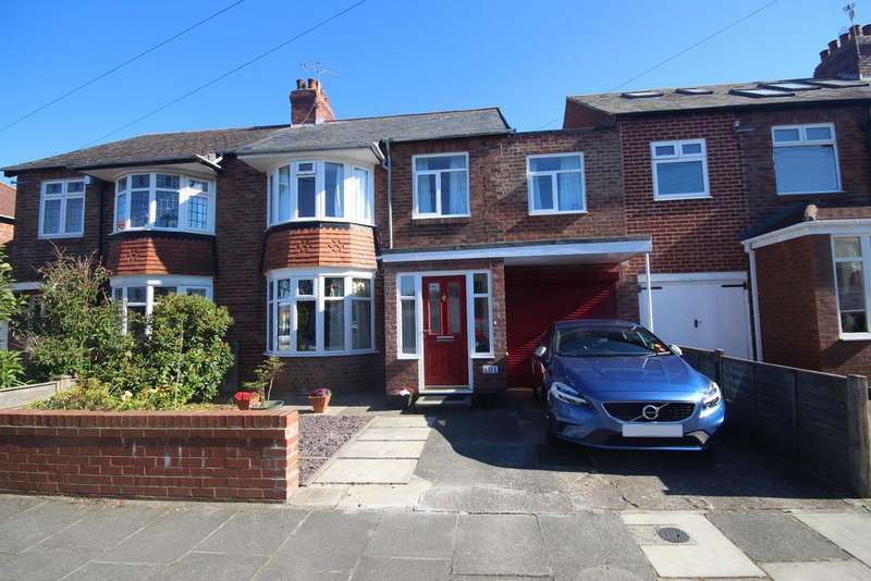4 Bedrooms Semi Detached House for sale in Links Avenue, Whitley Bay, NE26