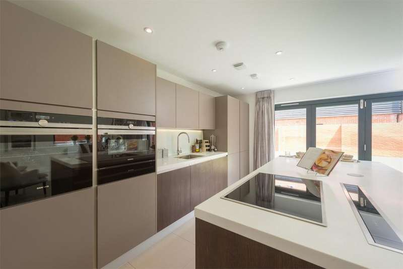 5 Bedrooms Detached House for sale in Sutton Scotney, Winchester, Hampshire