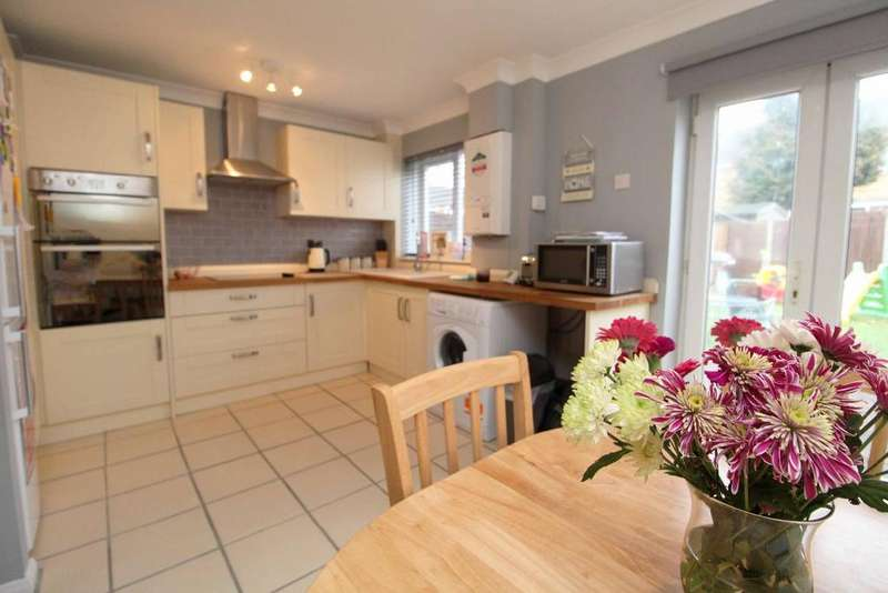 3 Bedrooms Terraced House for sale in Bridle Drive, Clapham, Bedfordshire, MK41 6BB