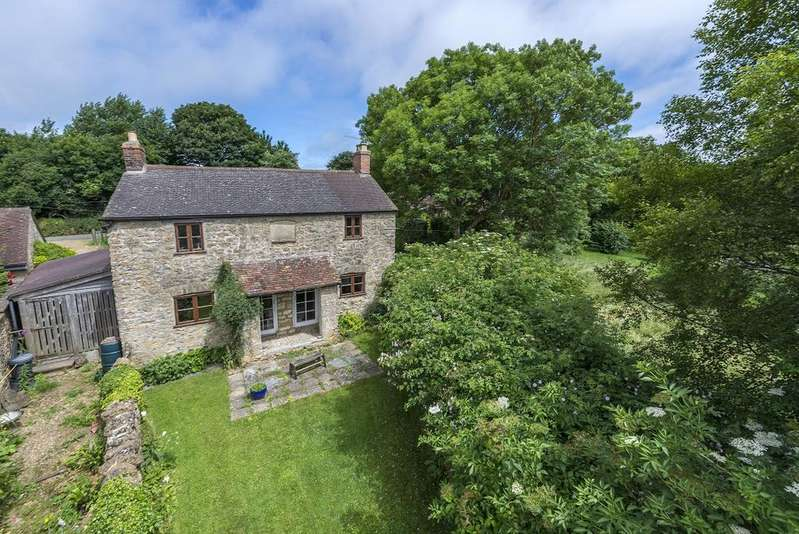 3 Bedrooms House for sale in Lower Clatcombe, SHERBORNE, Dorset