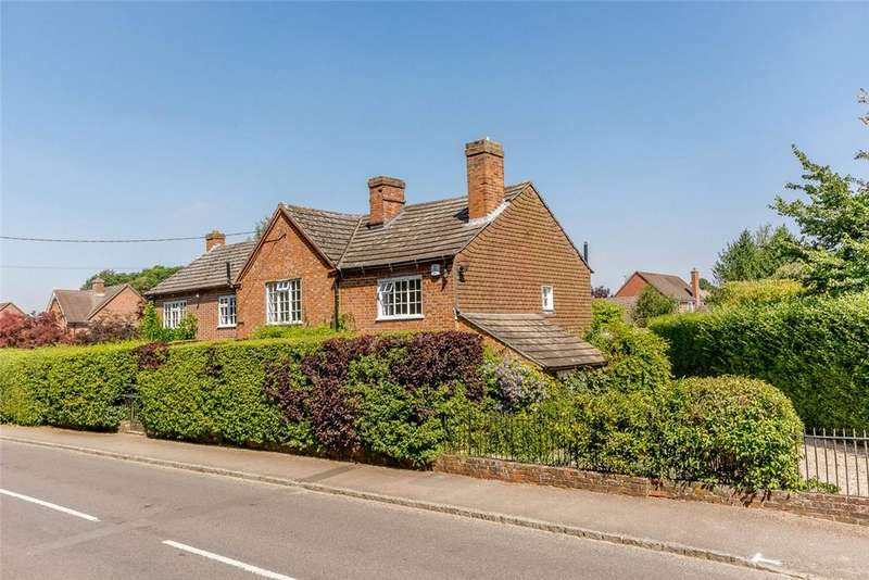 4 Bedrooms Detached House for sale in School Road, Chieveley, Newbury, Berkshire, RG20