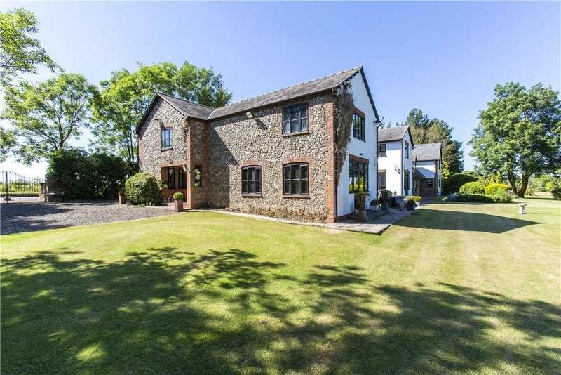 6 Bedrooms Detached House for sale in Therfield Road, Royston, Hertfordshire, SG8