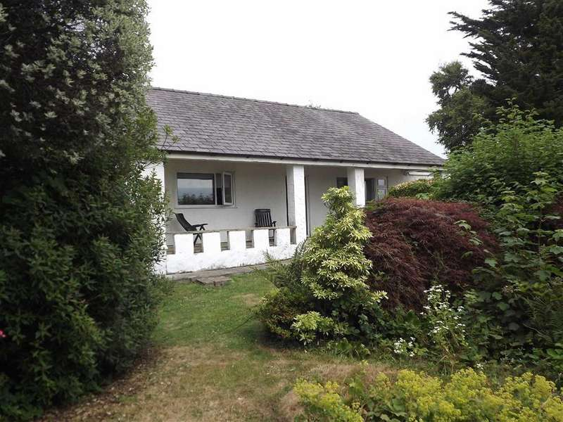 Detached Bungalow for sale in Amlwch, Anglesey