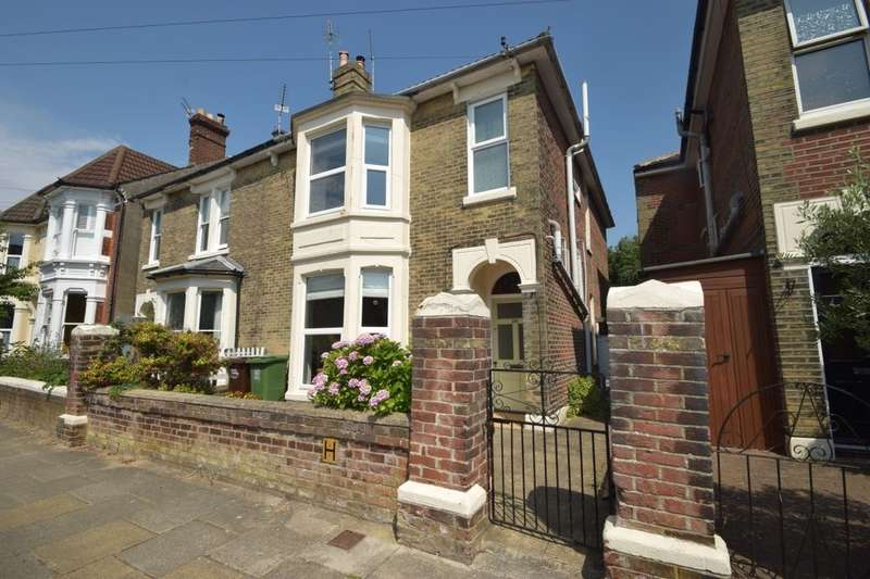 5 Bedrooms Semi Detached House for sale in Lorne Road, Southsea, PO5