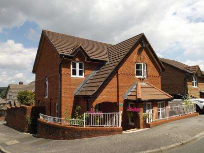 4 Bedrooms Detached House for sale in Par, St. Austell, Cornwall