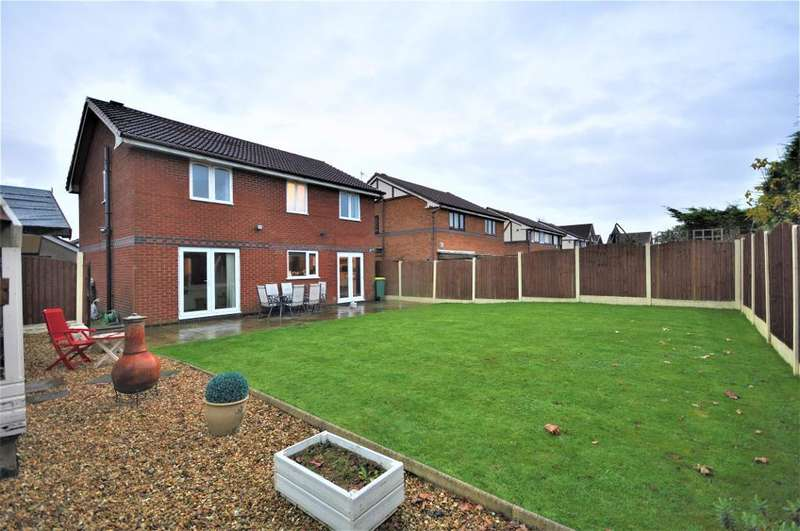 5 Bedrooms Detached House for sale in Dovedale Close, Ingol, Preston, Lancashire, PR2 3WR