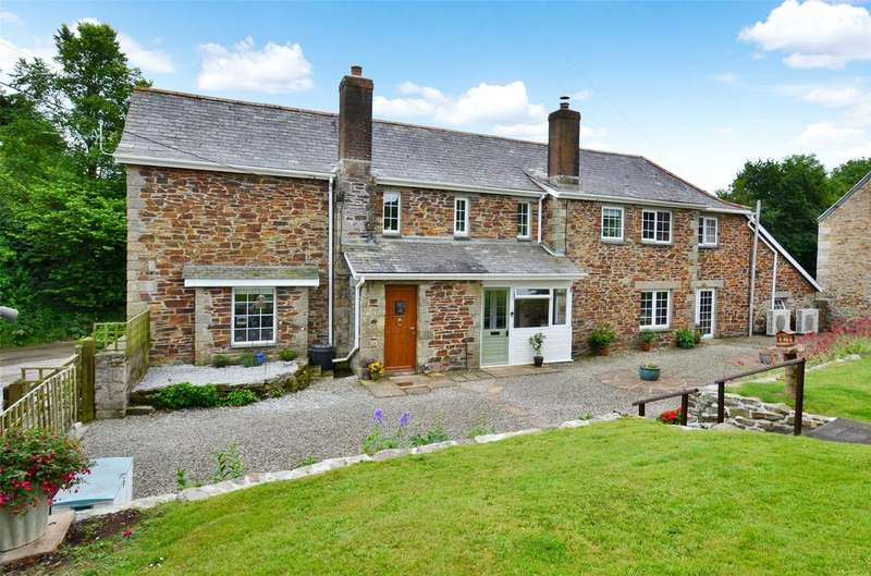 6 Bedrooms Detached House for sale in Trewithian Farm, St. Wenn