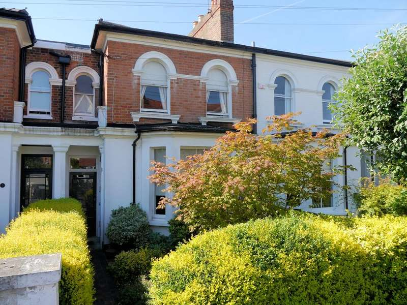 3 Bedrooms Terraced House for sale in Grove Road, Windsor SL4