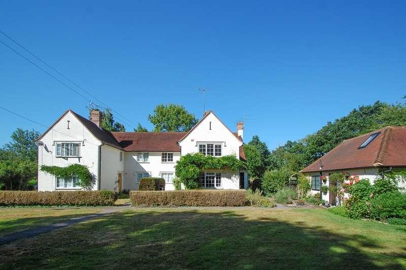 2 Bedrooms Maisonette Flat for sale in Bradbury Gardens, Hay Lane, Fulmer, SL3