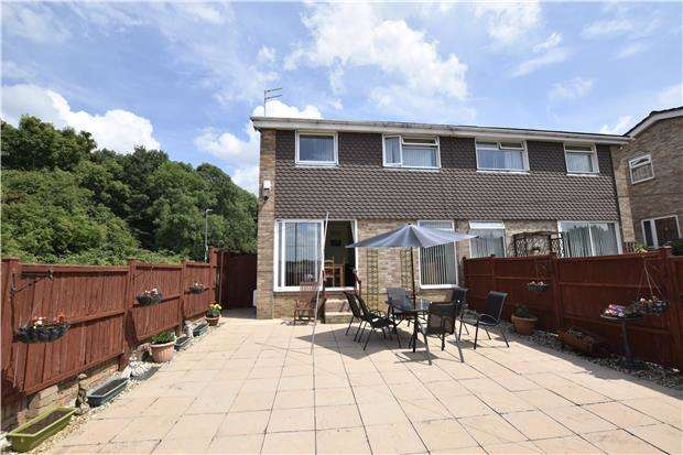 3 Bedrooms Semi Detached House for sale in Hazelbury Drive, Warmley, BS30 8UG