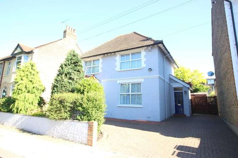 3 Bedrooms Detached House for sale in Ferndale Road, Gravesend, DA12