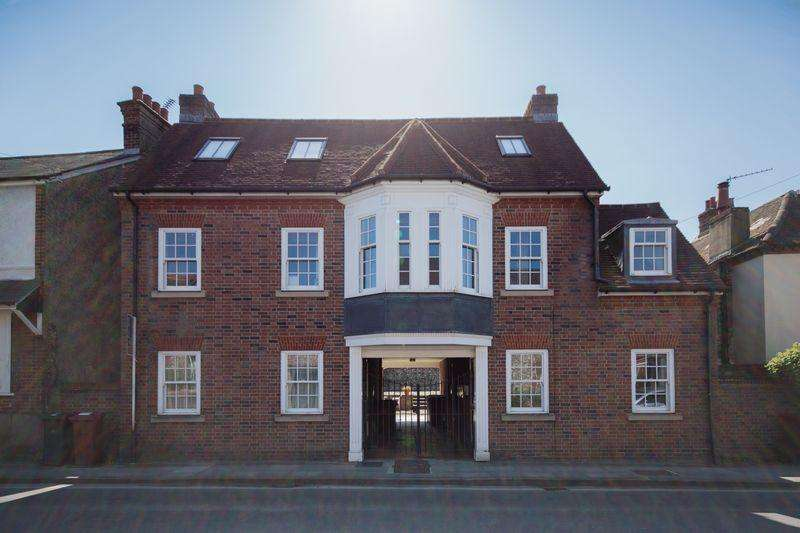 1 Bedroom Block Of Apartments Flat for sale in Orchard Street, Chichester
