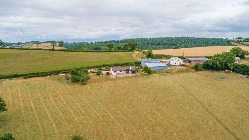 3 Bedrooms Detached Bungalow for sale in Tedburn St. Mary, Exeter