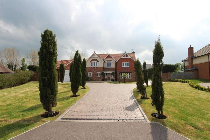 4 Bedrooms Detached House for sale in Oak Tree Close, Eastchurch, Sheerness