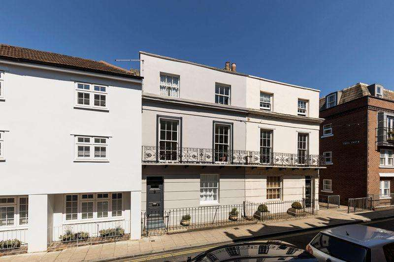 4 Bedrooms Town House for sale in Castle Road, Southsea