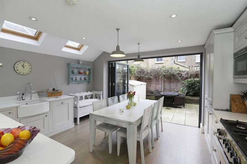 3 Bedrooms House for sale in Bramford Road, Wandsworth, SW18