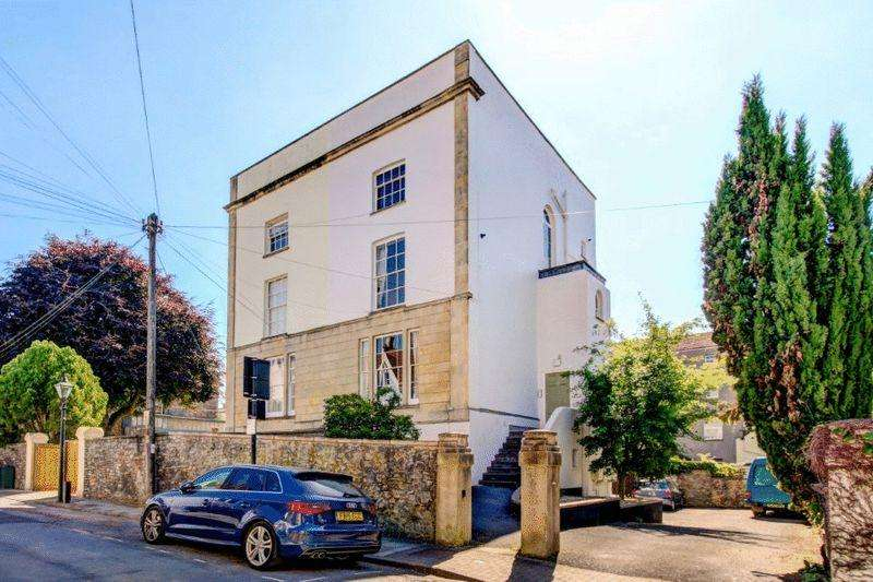 1 Bedroom Apartment Flat for sale in Wellington Park, Clifton