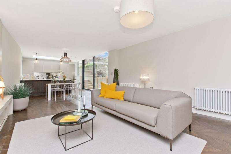 3 Bedrooms Ground Flat for sale in 5A Melville Crescent, Edinburgh, EH3 7HW