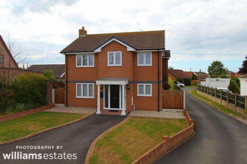3 Bedrooms Detached House for sale in Llys Caradog, St. Asaph
