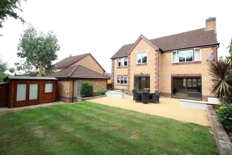 4 Bedrooms Detached House for sale in Rosecroft Drive, Langstone, Newport