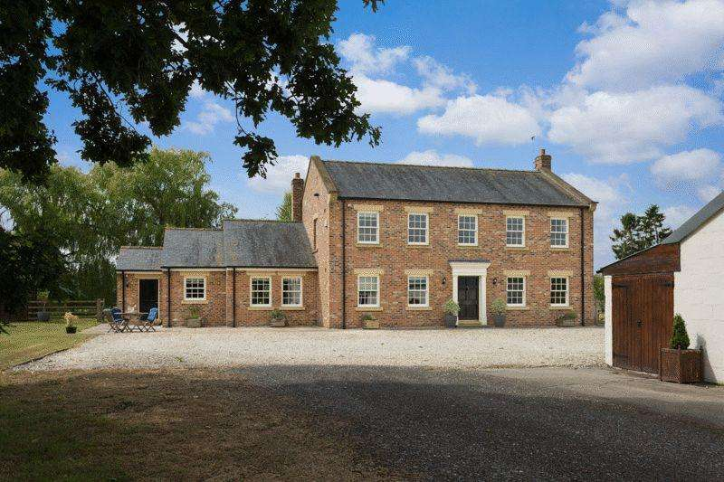 4 Bedrooms Detached House for sale in Dawnay House Farm, Easingwold