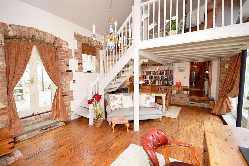 3 Bedrooms Barn Conversion Character Property for sale in The Granaries, Scopwick, Lincoln