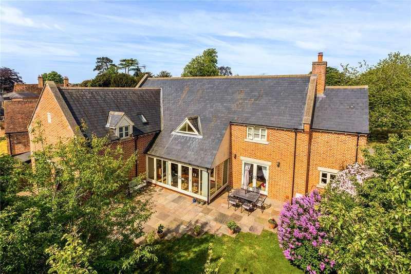 4 Bedrooms Detached House for sale in Padbury, Buckingham, Buckinghamshire, MK18