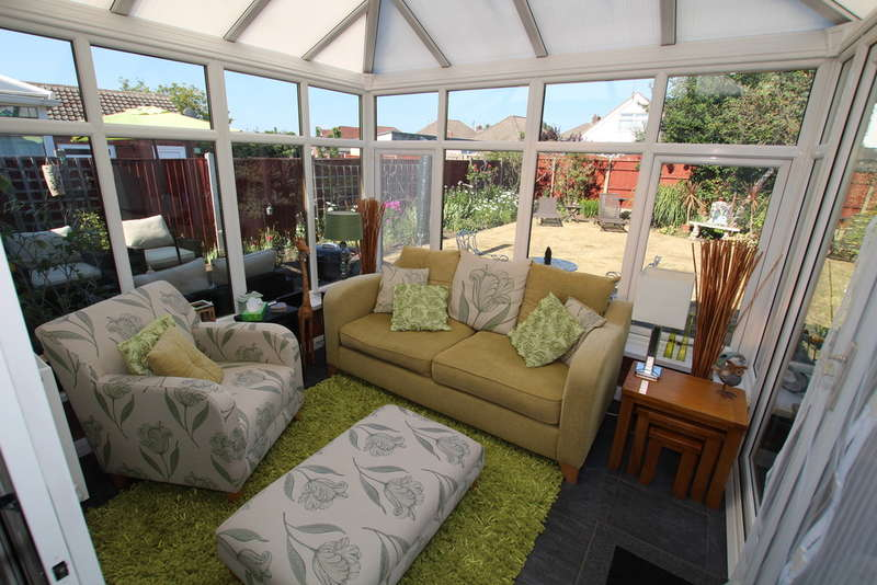 3 Bedrooms Detached Bungalow for sale in Derwent Drive, Litherland, Liverpool, L21