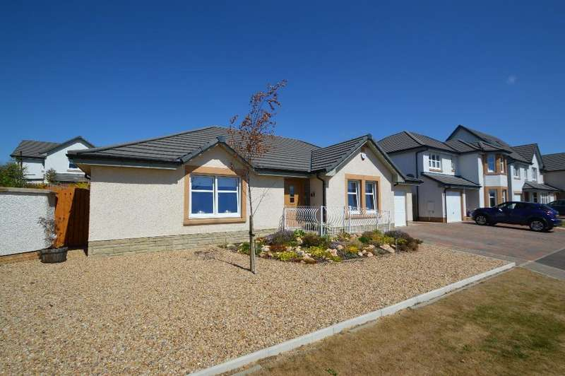 3 Bedrooms Bungalow for sale in Bartonholm Gardens, Fairways View, Irvine, North Ayrshire, KA12 8TD