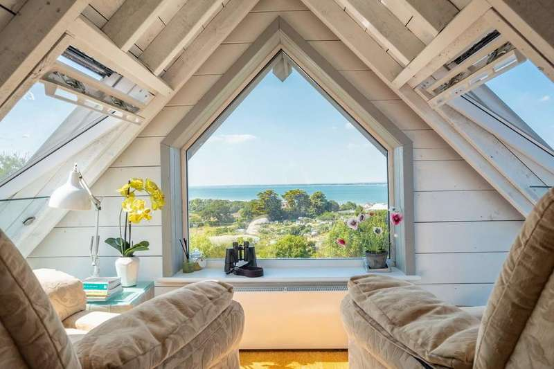 4 Bedrooms Detached House for sale in Seaview, Isle Of Wight