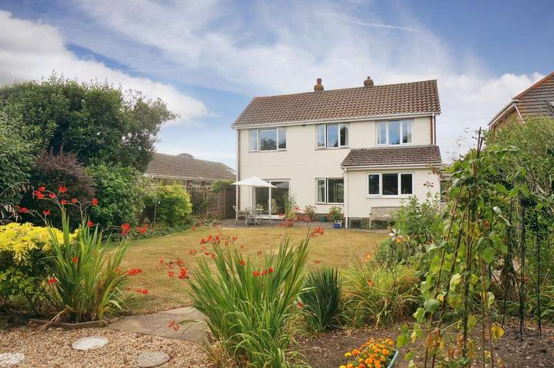 4 Bedrooms Detached House for sale in EAST LODGE, CATISFIELD