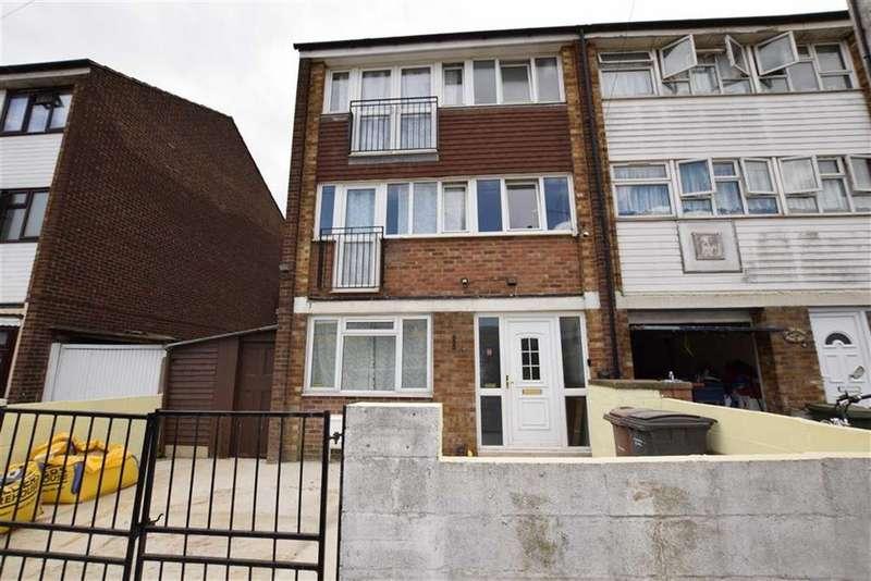 6 Bedrooms Semi Detached House for sale in Gaylor Road, Tilbury, Essex