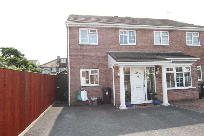 3 Bedrooms Property for sale in Footshill Close Hanham, Bristol