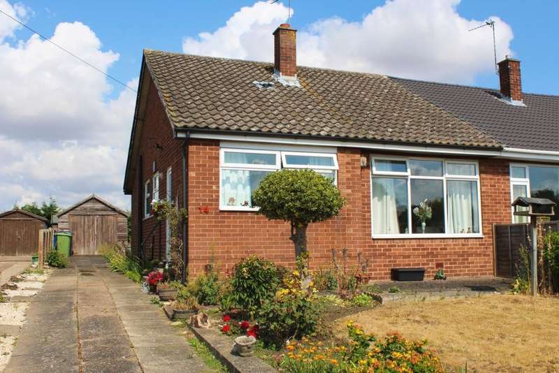2 Bedrooms Bungalow for sale in Collins Walk, Scotter, DN21