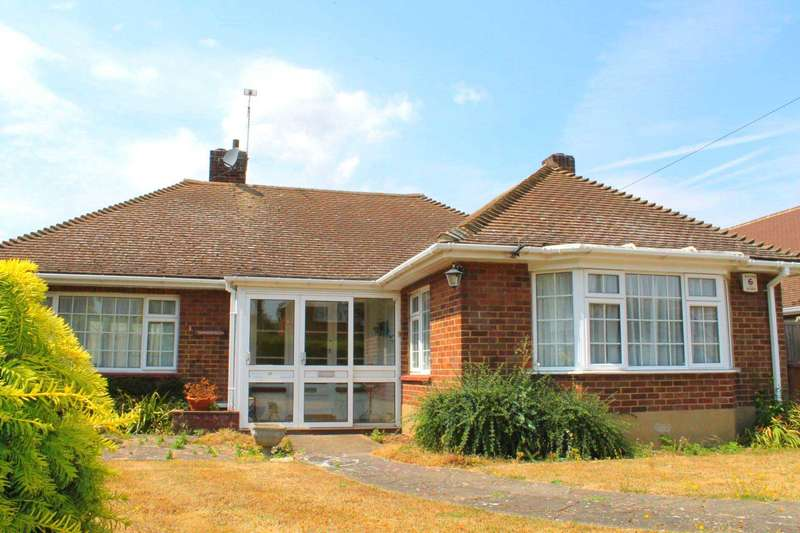 3 Bedrooms Detached Bungalow for sale in Windsor Road, Gravesend