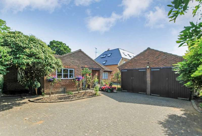 4 Bedrooms Detached Bungalow for sale in Tring
