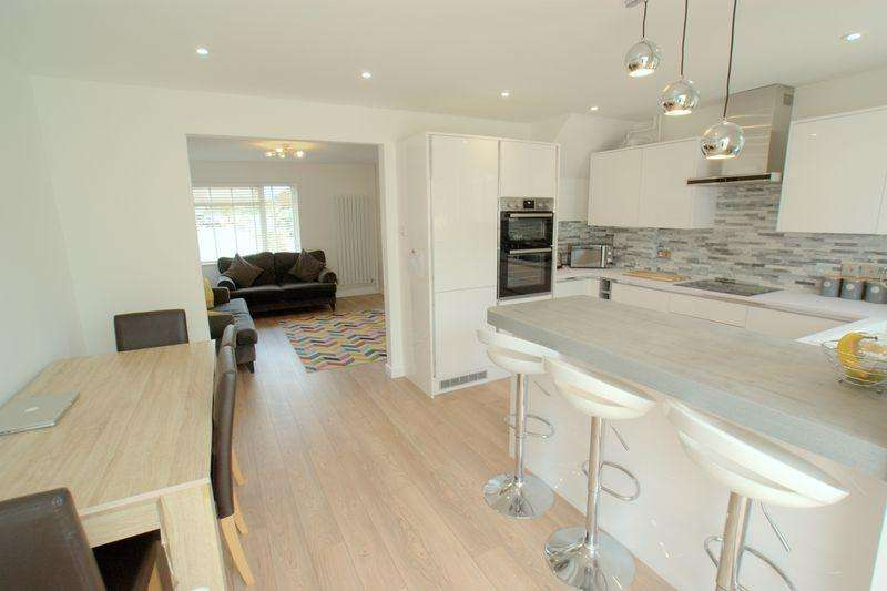 3 Bedrooms Semi Detached House for sale in Hungerford Road, Bournemouth