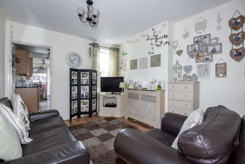 2 Bedrooms House for sale in Railway Road, Newbury, RG14