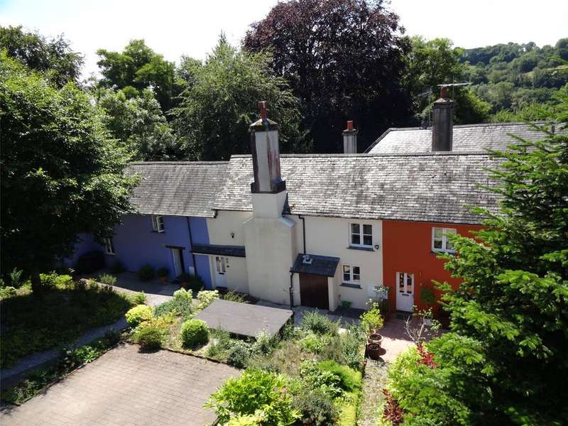 2 Bedrooms Terraced House for sale in Greenway, High Street