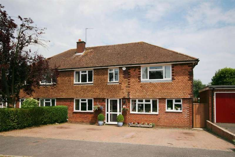 5 Bedrooms Semi Detached House for sale in Cheyne Walk, Chesham