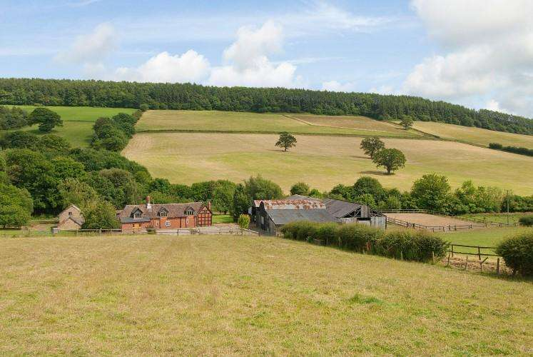 4 Bedrooms Detached House for sale in Middlehope SHROPSHIRE