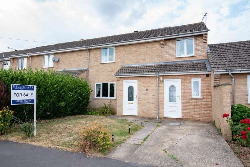 3 Bedrooms Semi Detached House for sale in Highgrove Crescent, Boston, PE21