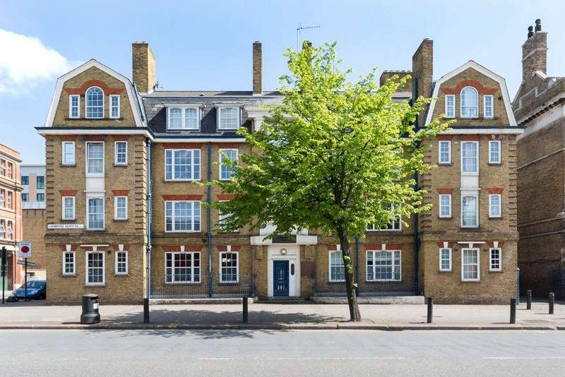 2 Bedrooms Apartment Flat for sale in Cambridge Heath Road, London, E2