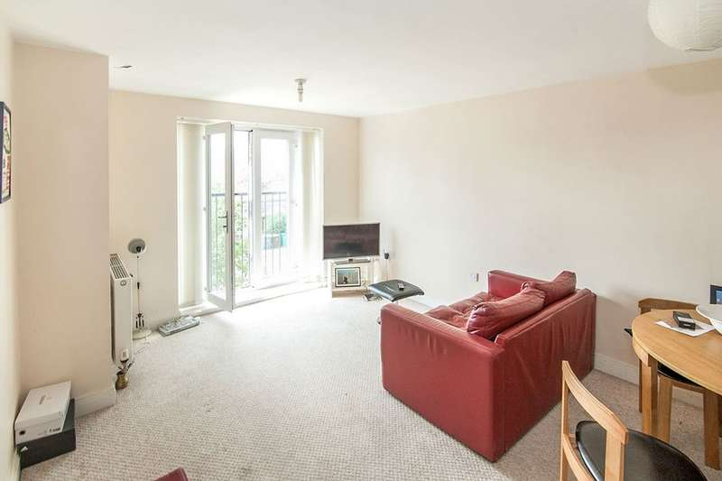 2 Bedrooms Flat for sale in Waterloo Road, Manchester, M8