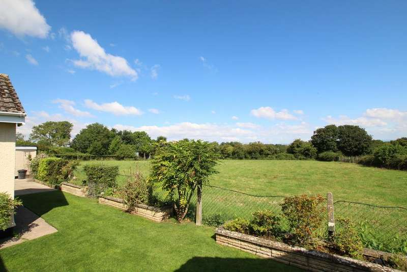 4 Bedrooms Detached Bungalow for sale in Knightcott Park, Banwell