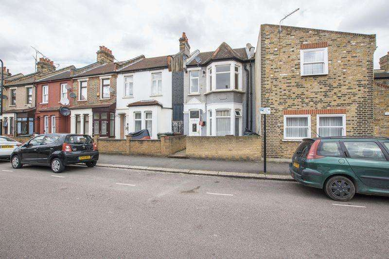 2 Bedrooms Apartment Flat for sale in Dunton Road, Leyton, E10