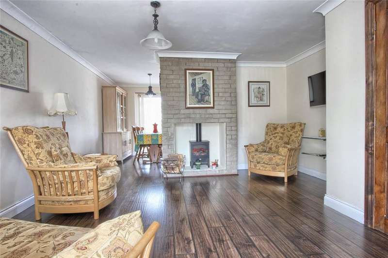 3 Bedrooms Detached House for sale in Queensbury Close, Redcar