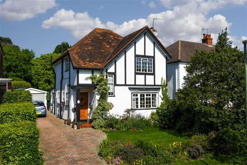 3 Bedrooms Detached House for sale in Lower Hill Road, Epsom, Surrey